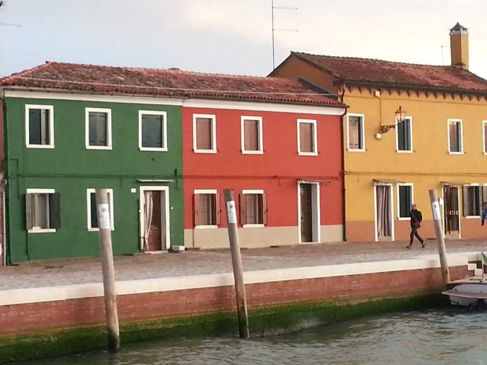 Las coloridas casas de Burano, y sus tranquilas calles.