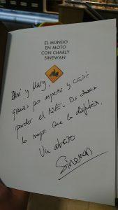 Libro El Mundo en Moto con Charly Sinewan dedicado