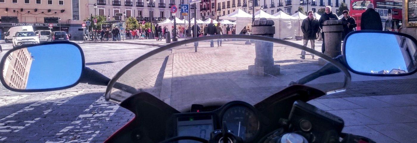 Callejeando en moto por el centro de Madrid