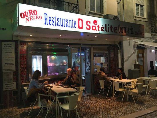 Restaurante O Satelíte en Alfama. Comida casera y económica.