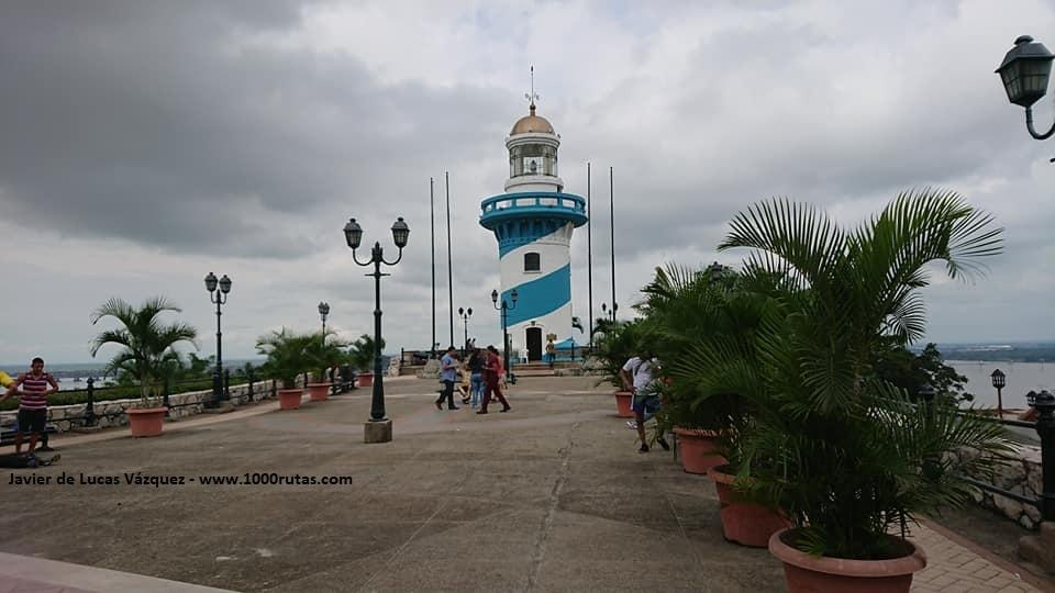 Faro de Las Peñas en el Cerro de Santa Ana de Guayaquil.