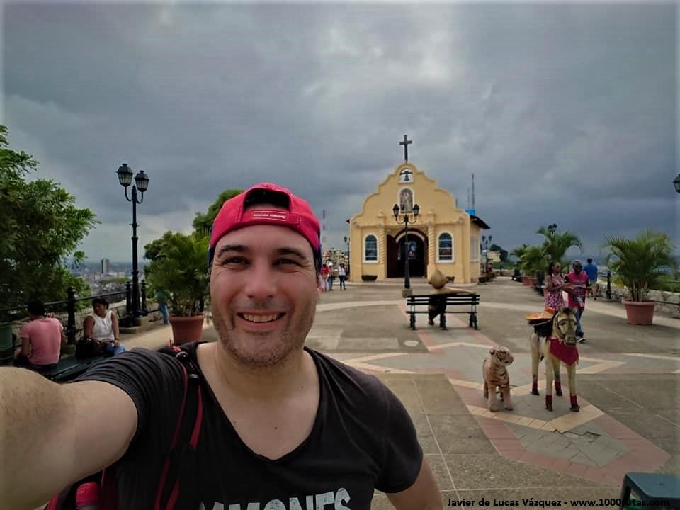 Cerro de Santa Ana con la pequeña Iglesia al fondo.