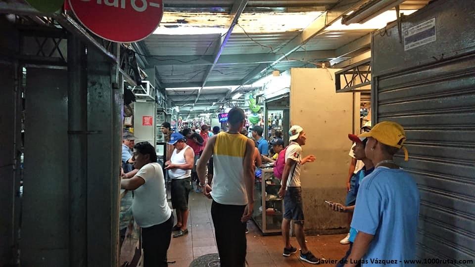 Mercado en el centro de Guayaquil