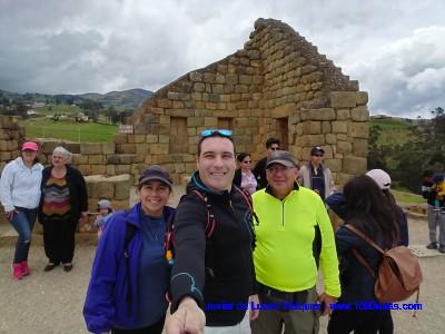 Con Jorge y Pilar visitando las riunas de Ingapirca