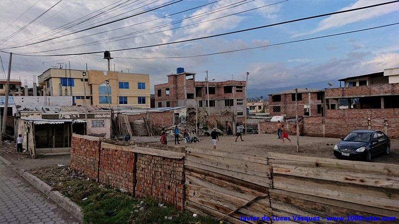 Humildes pueblos de construcciones precarias