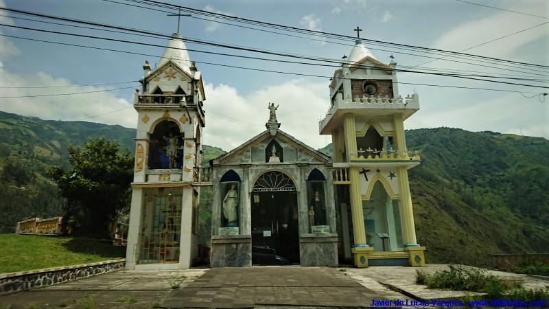 Capilla cerca de Ambato, de camino a la localidad de Baños de Agua Santa.