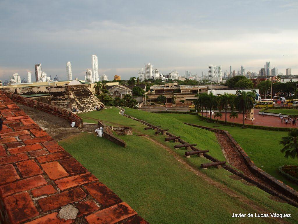 Vistas de Cartagena desde lo alto del Castillo de San Felipe