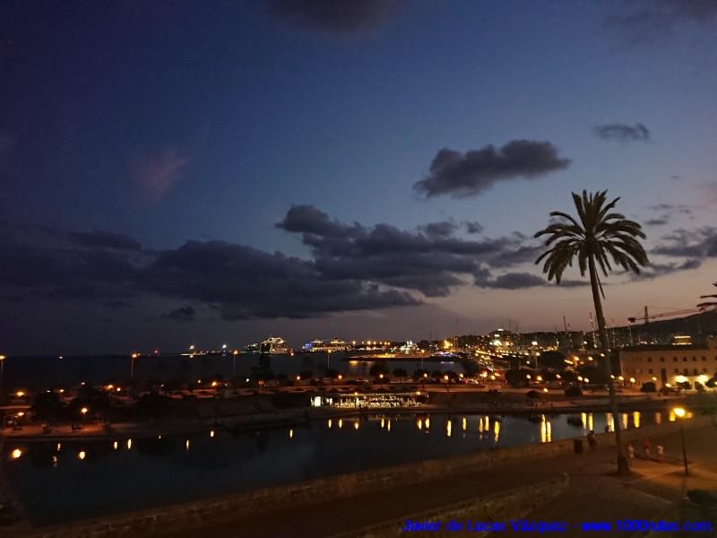 Puerto de Palma al anochecer. Vistas desde la Catedral