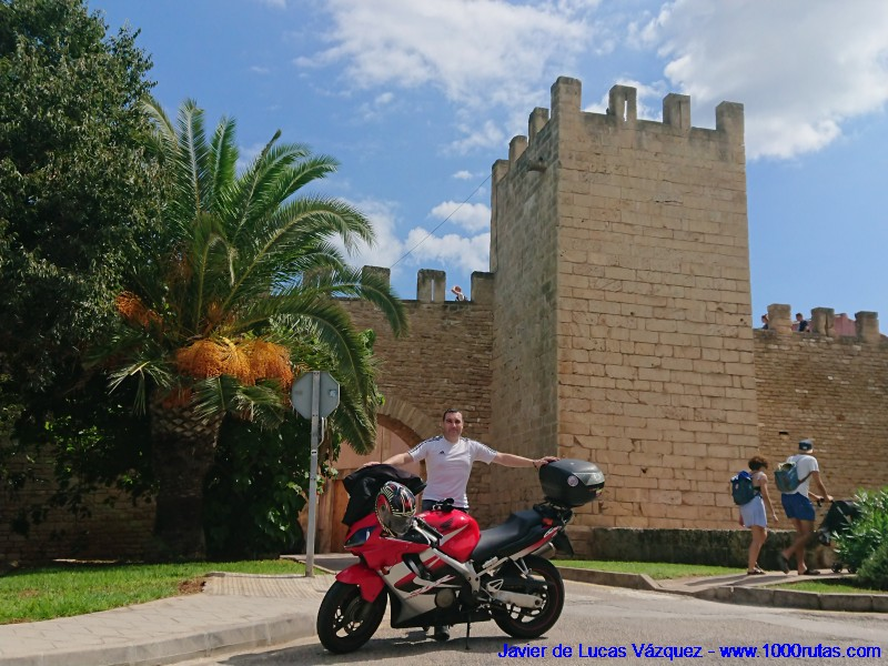 Junto a las Murallas de Alcudia
