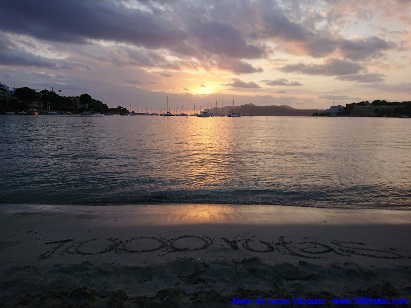 Anochece en la Playa de Santa Ponça