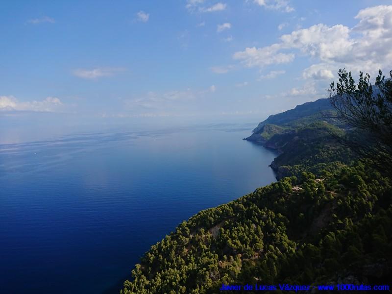 Costa mallorquina vista desde la Sierra de Tramontana